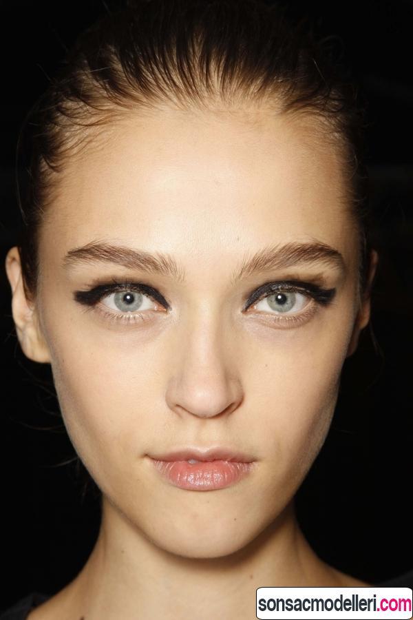 doğal eyeliner yapımı