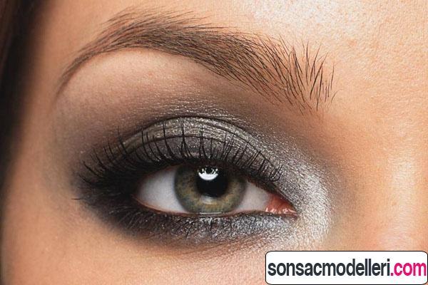 Ela göz dumanlı göz makyajı