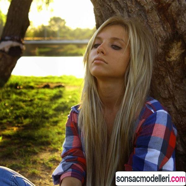 Sarı uzun düz saç modeli