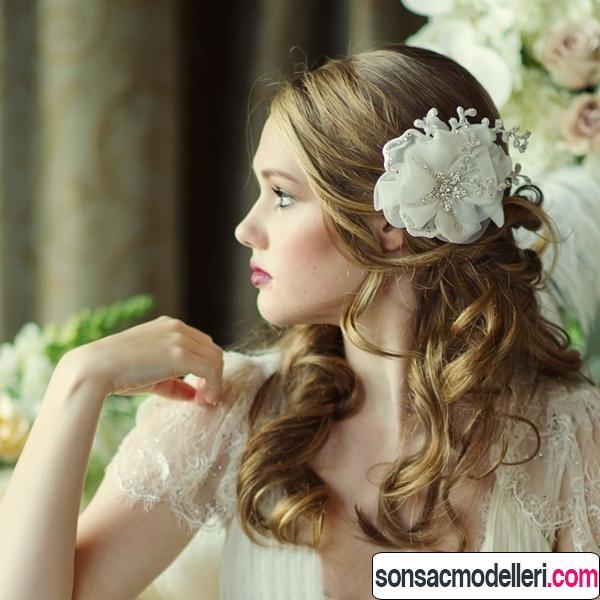 yapay çiçekli gelin saçı