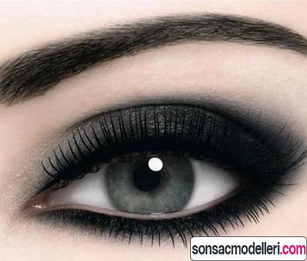gölgeli göz makyajı