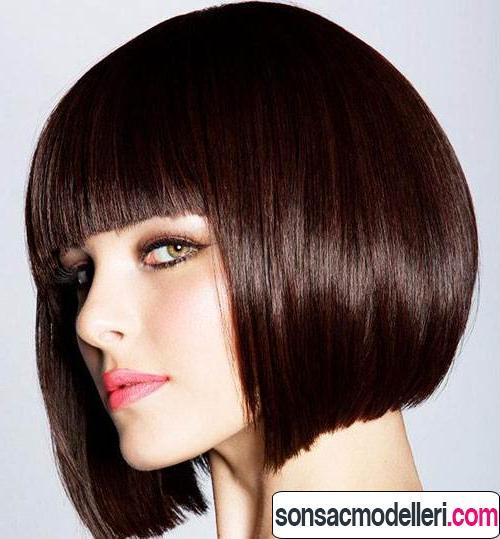Keskin kahküllü saç kesimi