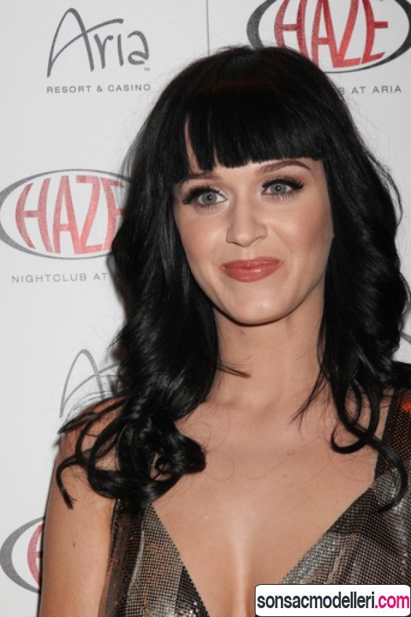 Katy Perry kahküllü saç modeli