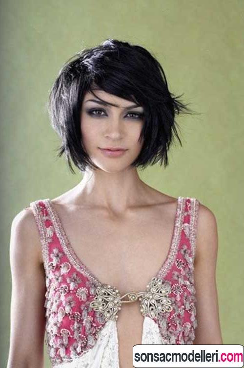 Kalın saçlar için küt kısa saç kesimi