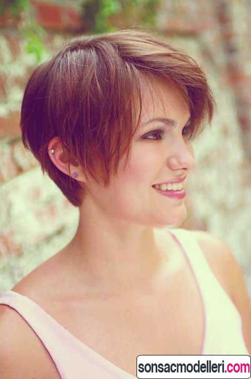 Katlı kısa saç kesimi