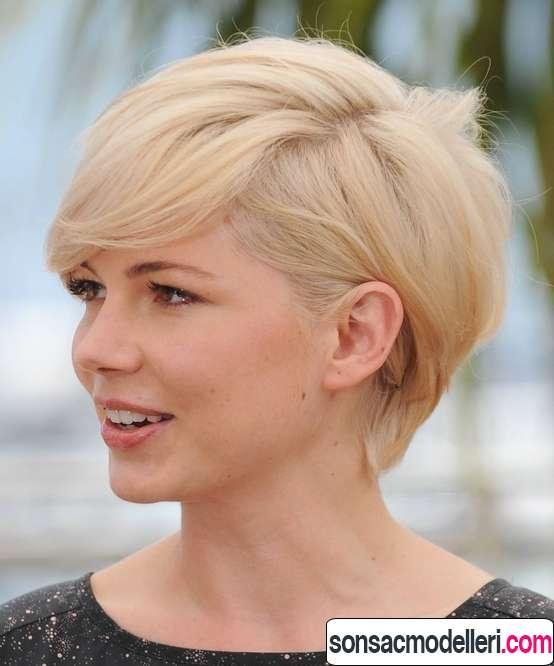 Kısa sarı hoş saç modeli