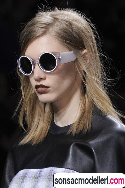 Düz orta boy saç modeli