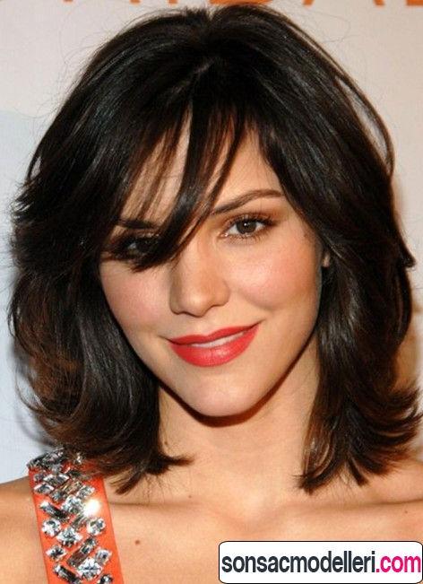 Dalgalı orta boy saç model örneği