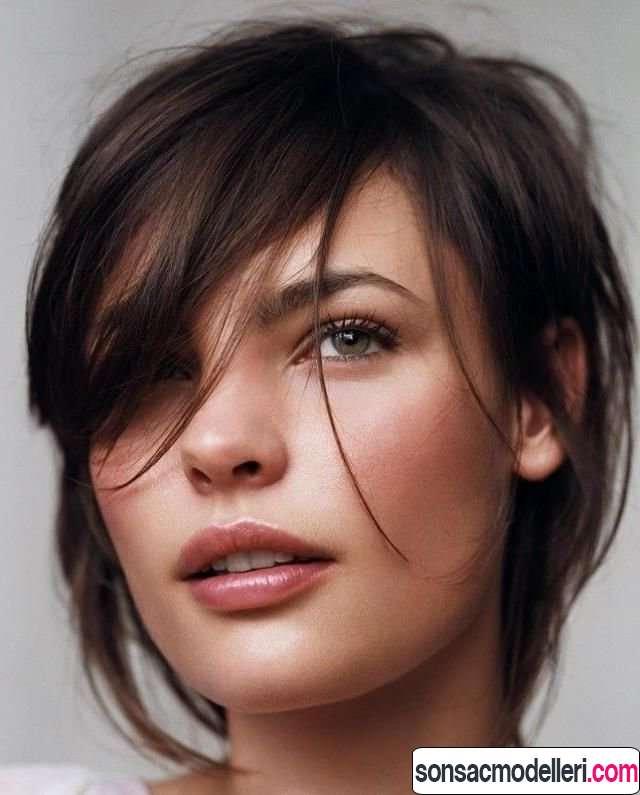 Üçgen yüz için saç modelleri
