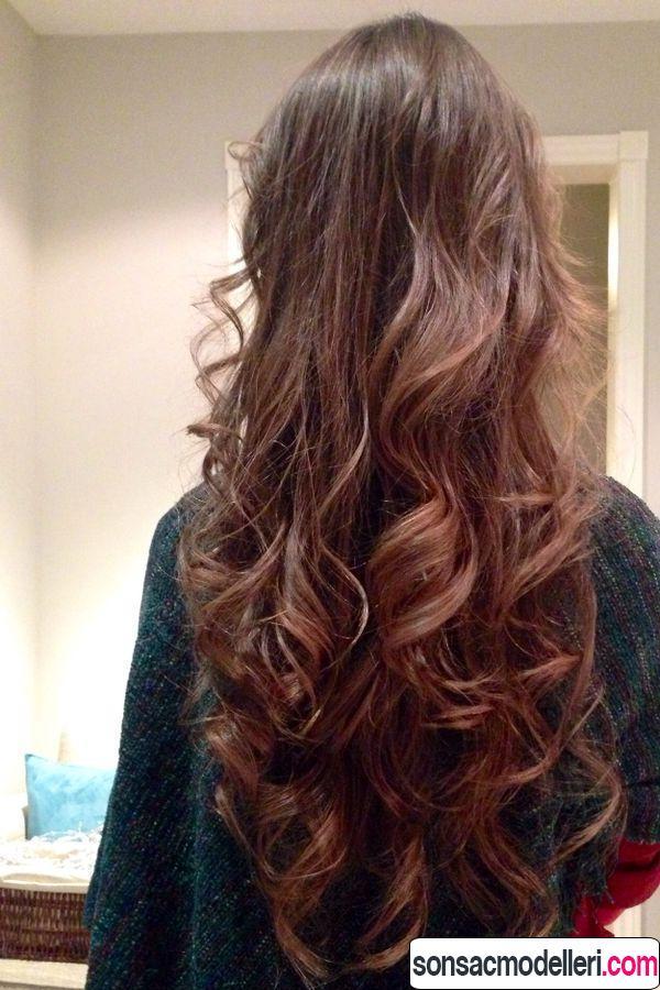 Uzun dalgalı saç bakımı