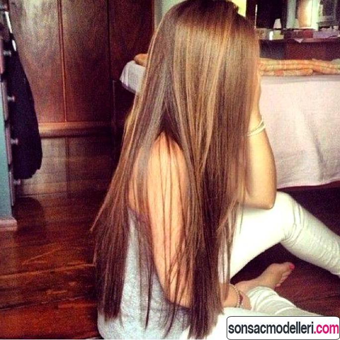Düz ve uzun saç modeli örneği