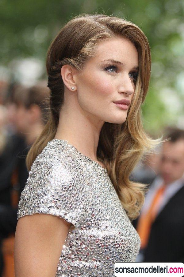 İnce telli saçlar için dalgalı uzun saç modeli