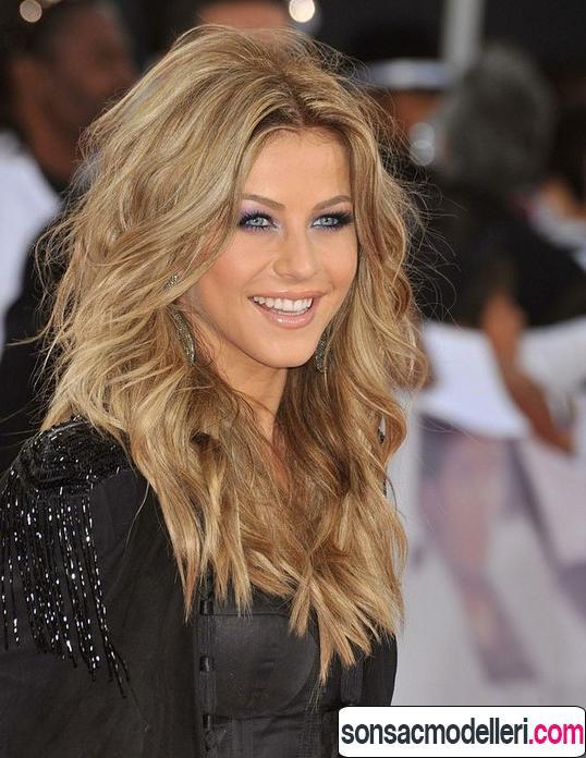 İnce telli uzun saçlara uygun dalgalı uzun saç modeli
