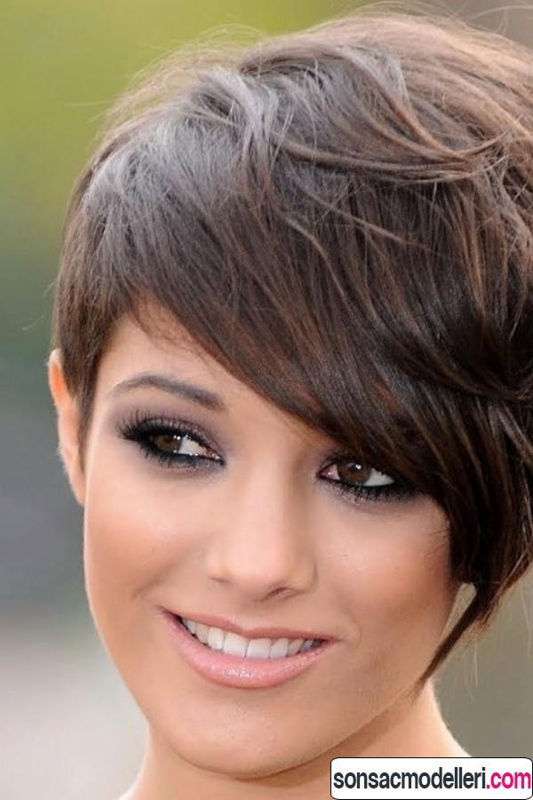 Katlı kısa saç modeli