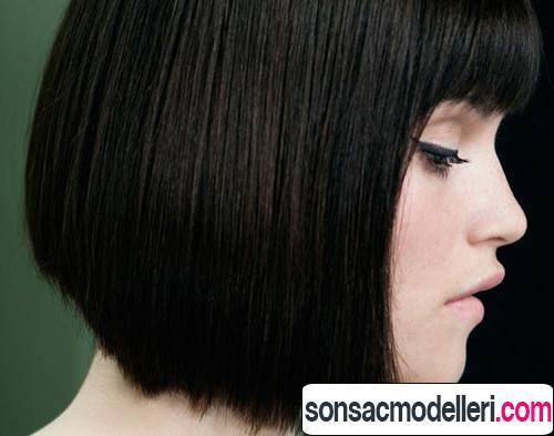 Siyah küt saç kesimi