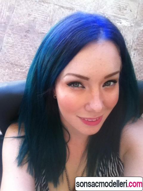 Neon mavi saç renkleri