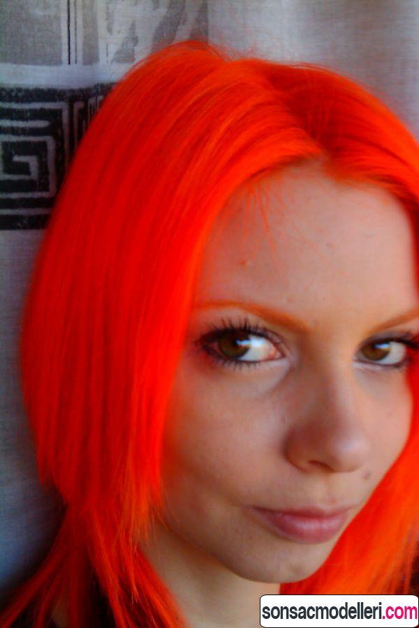 Neon turuncu saç rengi