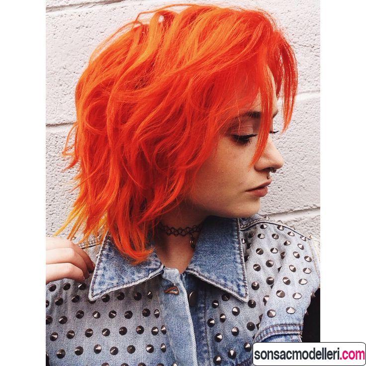 Neon kızıl saç rengi