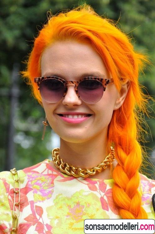 Neon turuncu uzun saç örgü