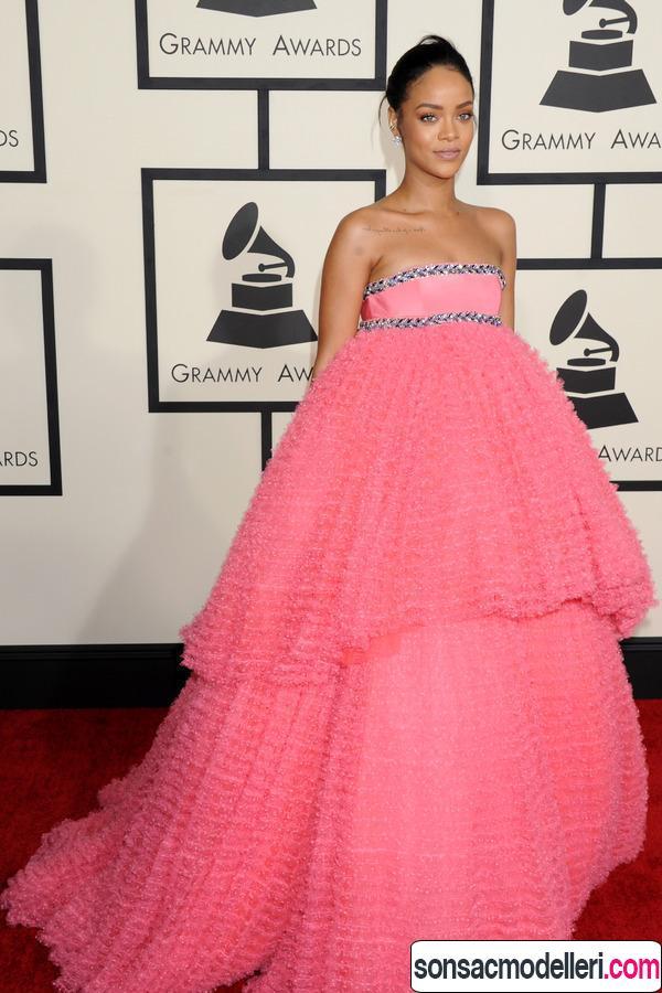 Rihanna kırmızı halı