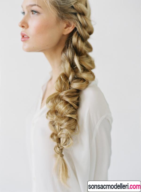 Uzun örgülü gelin saç modeli