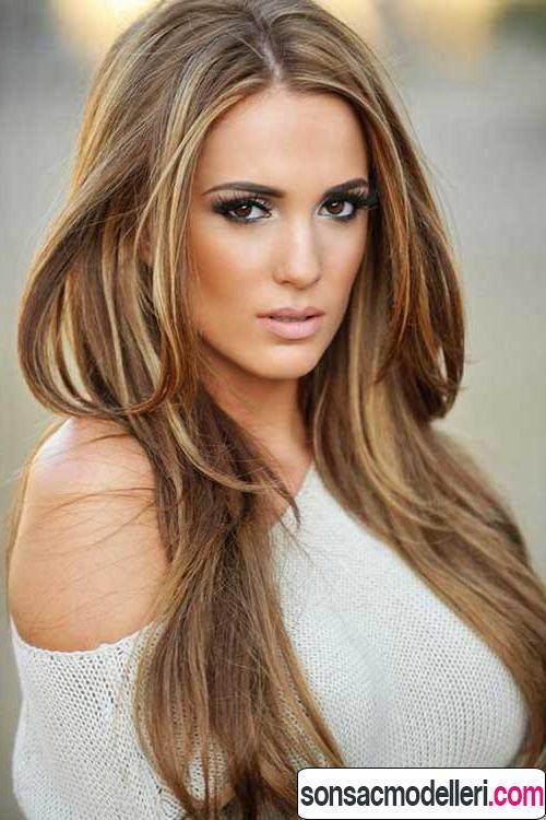 Sarı Işıltılı Saç Modelleri Ve Doğal Saç Renkleri