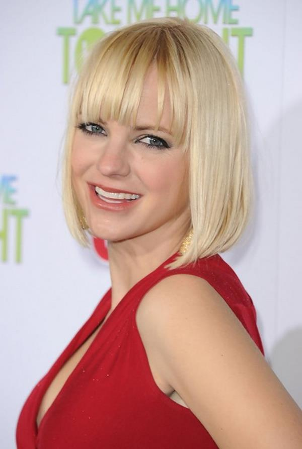 Anna Faris kısa saç modeli