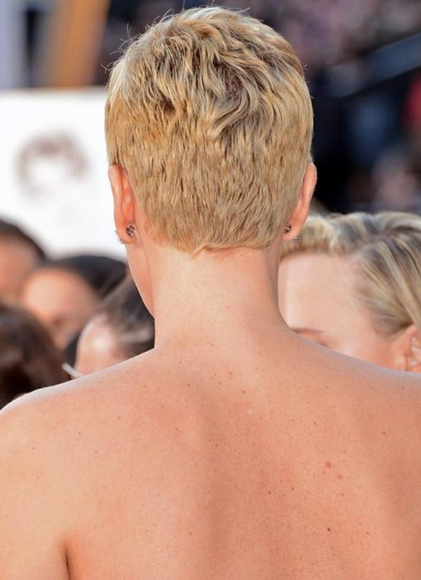 Charlize Theron saç modeli