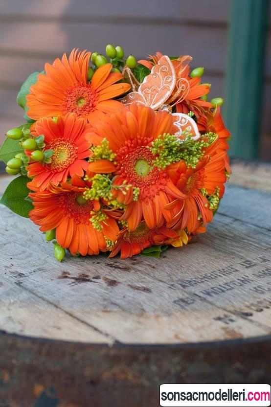 turuncu düğün çiçeği