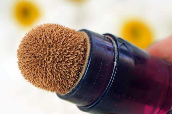 Maybelline Eraser Eye Concealer brush
