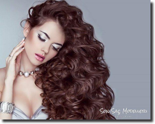 Stilinize Feminenlik Katacak Romantik Saç Modelleri (11)