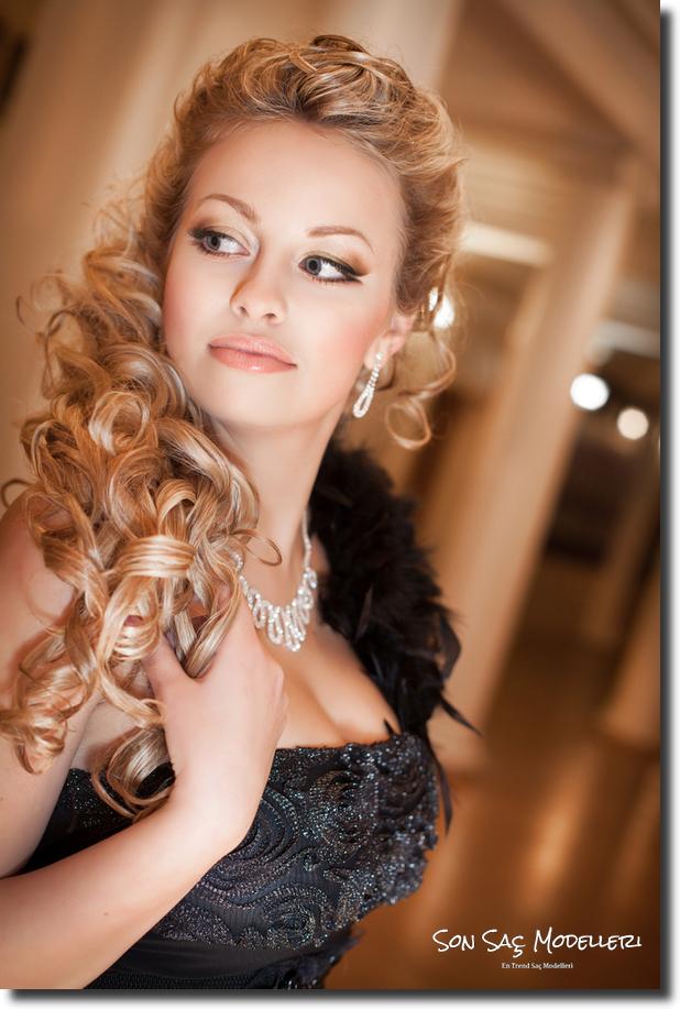 Stilinize Feminenlik Katacak Romantik Saç Modelleri (14)