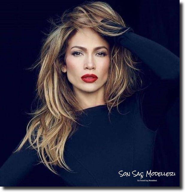 Stilinize Feminenlik Katacak Romantik Saç Modelleri (6)